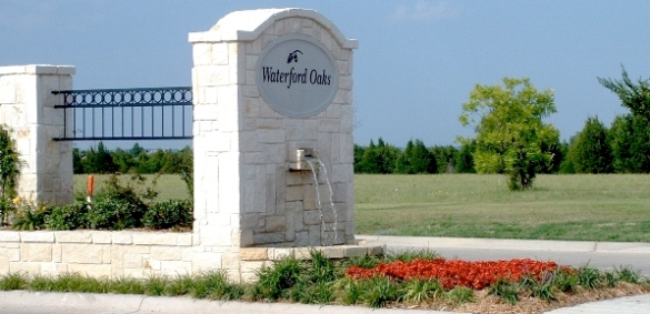 Waterford Oaks entry feature